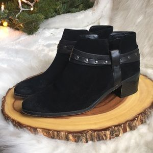 Clarks Somerset leather booties